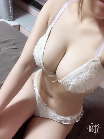 スズ「すず?」05/20(月) 19:31   スズの写メ・風俗動画