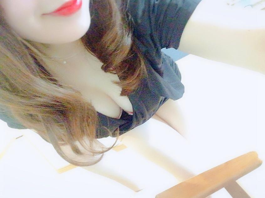 「5/22 お礼(*^_^*)、お知らせ❤︎」05/24(金) 22:54   一ノ瀬 麗華の写メ・風俗動画