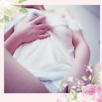 りな「興奮しちゃう」06/19(水) 16:59   りなの写メ・風俗動画