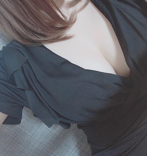 「こんばんは」09/06(金) 19:28 | 七瀬 葵-AOI-の写メ・風俗動画