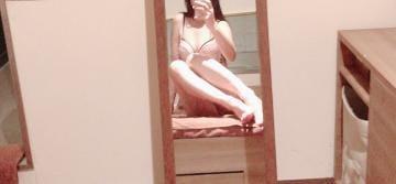 「お休み」10/03(木) 17:40 | れいな【敏感スレンダー美女】の写メ・風俗動画