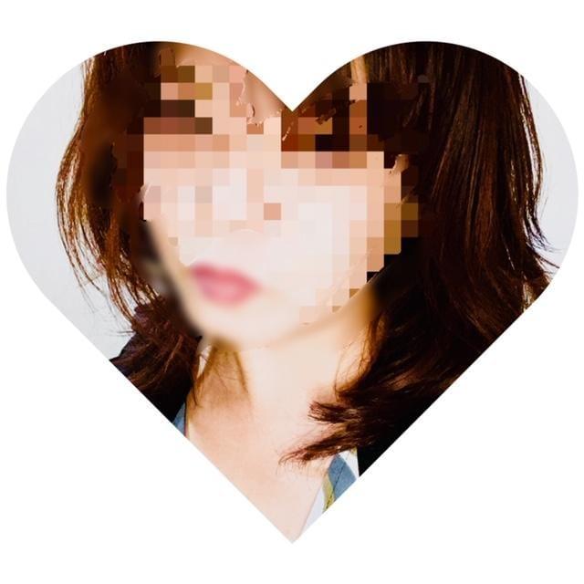 「こんばんはヽ(´▽`)/」12/12(木) 20:05 | 美恵奥様の写メ・風俗動画