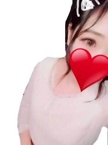 まな「こんばんわ」09/22(金) 21:12   まなの写メ・風俗動画