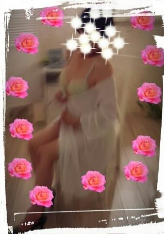 秋山(あきやま)「昨夜カリブの…」09/25(月) 21:40   秋山(あきやま)の写メ・風俗動画