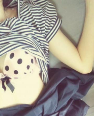 「スイカ♪」08/04(火) 11:25 | れなの写メ・風俗動画