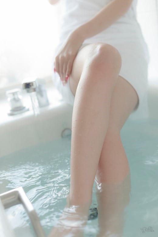 「出勤中♡」08/12(水) 00:00 | れなの写メ・風俗動画
