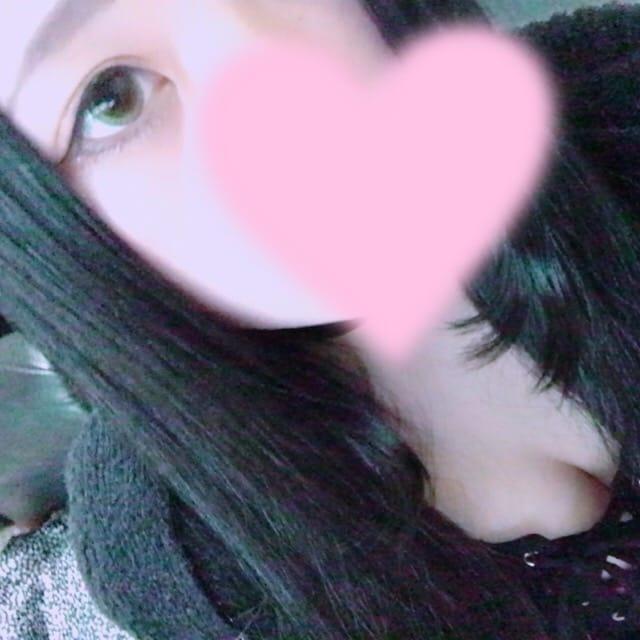 「外めっちゃ寒い~。゚(゚∩´﹏`∩゚)゚。」10/13(金) 03:46 | はるなの写メ・風俗動画