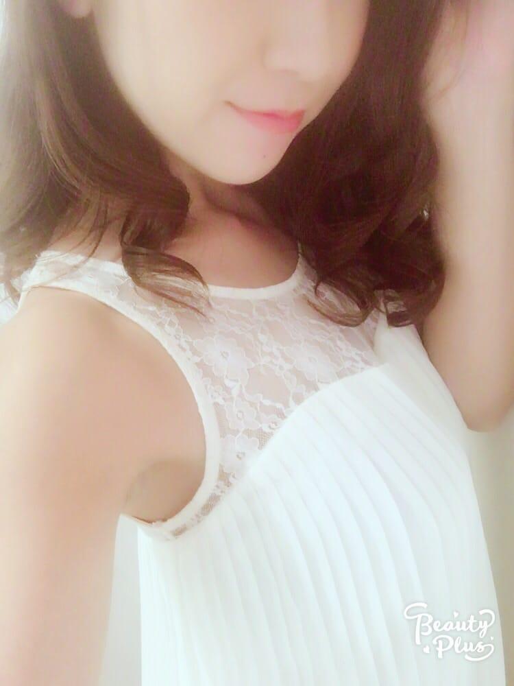 新人・那々(ナナ)「ありがとうございます♡♡」10/17(火) 21:00 | 新人・那々(ナナ)の写メ・風俗動画