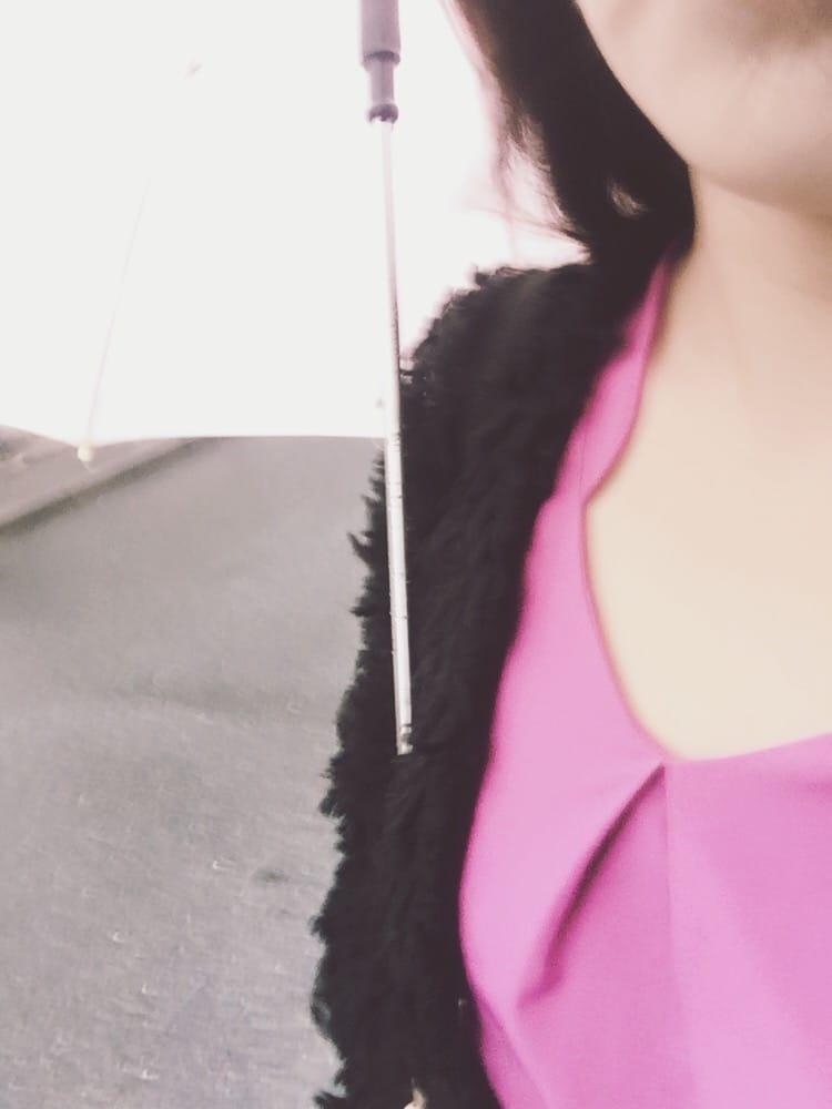みずき「雨の日は...」10/19(木) 15:33   みずきの写メ・風俗動画