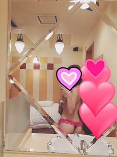 りな「こんばんは」10/21(土) 22:05   りなの写メ・風俗動画