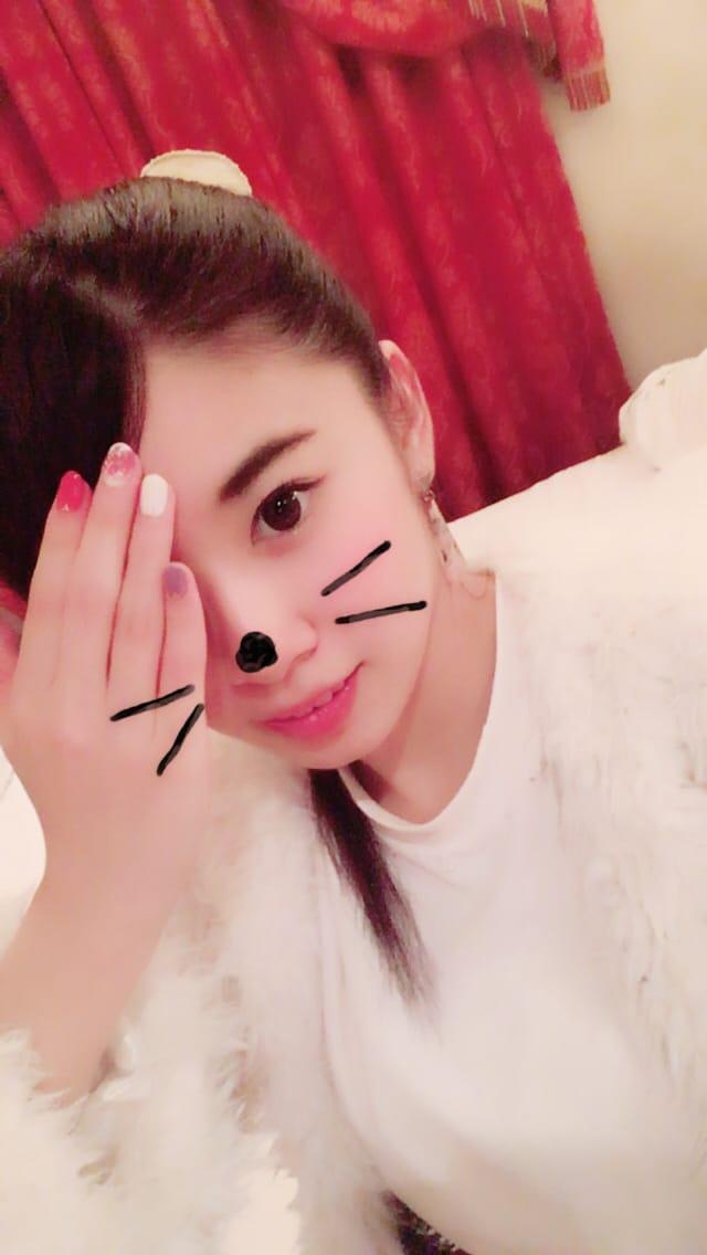 リン「ありがとう(*´∇`*)」10/23(月) 21:37   リンの写メ・風俗動画