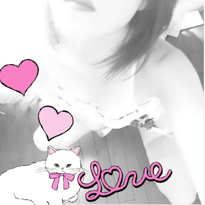 「こんにちは(*^^*)」10/26(木) 12:56 | 小湊ゆいの写メ・風俗動画