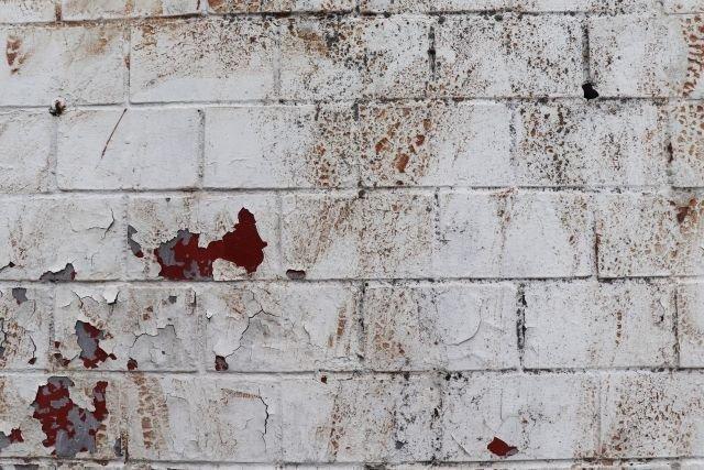 劣化している外壁