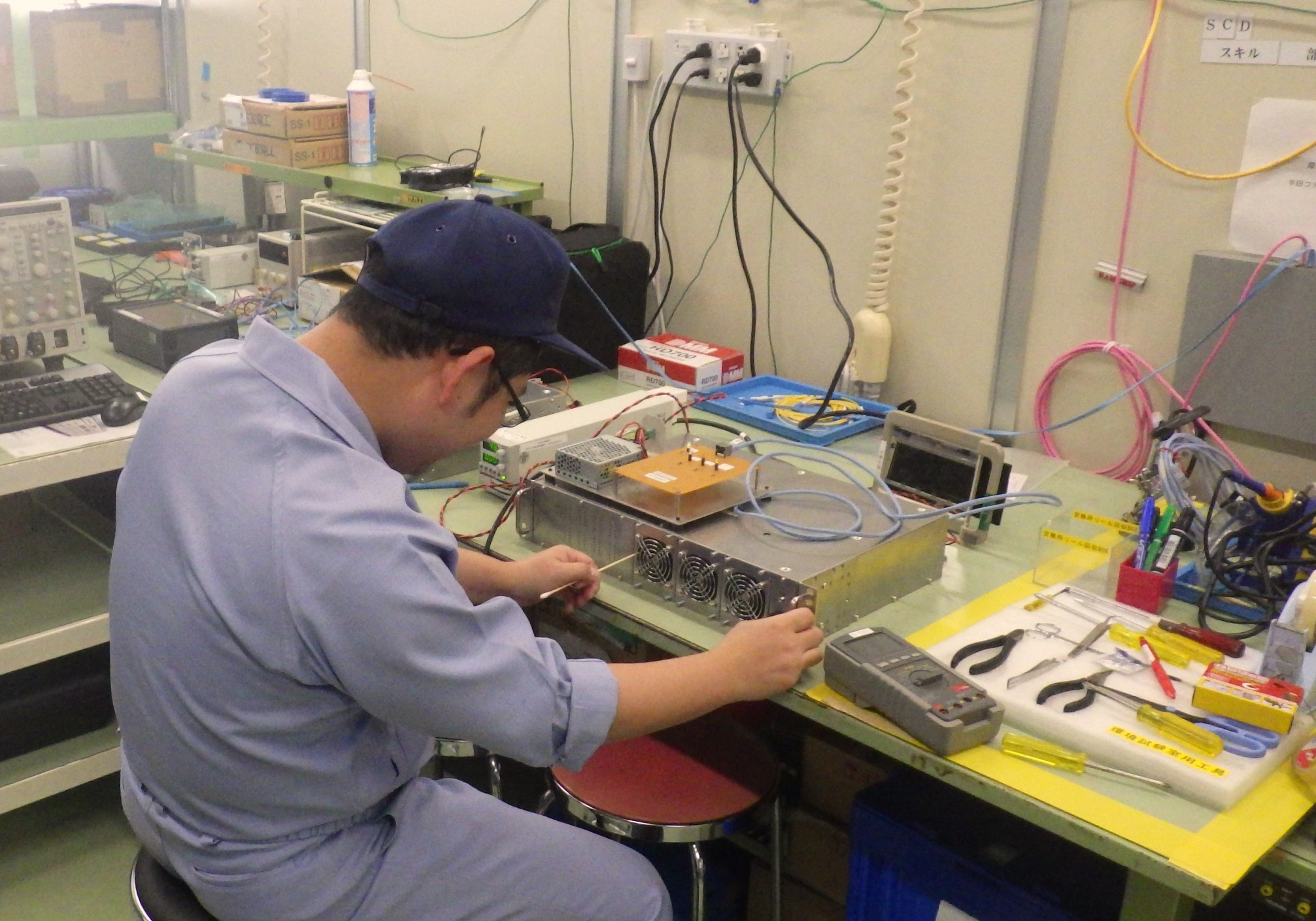 住友電工グループ・光通信用伝送機器の機械設計エンジニア