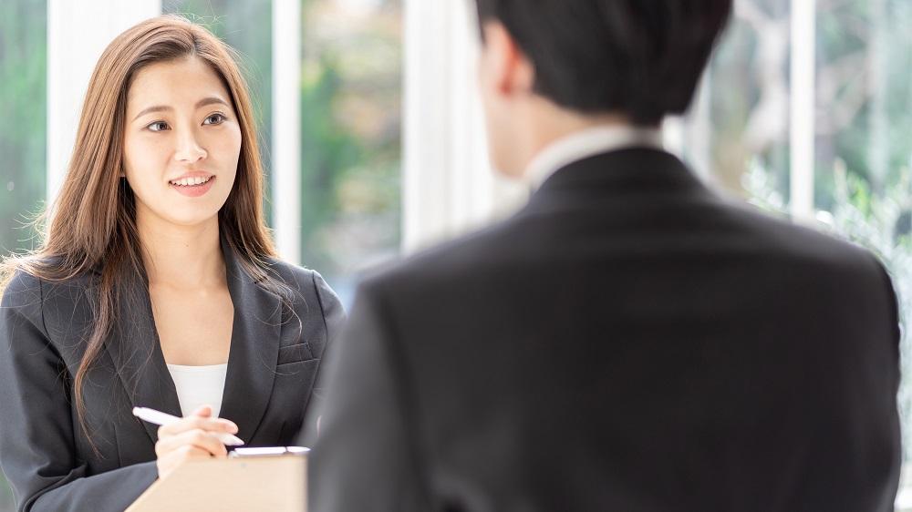 大卒MARCH以上/営業経験必須/20代で年収900万円/稼げるキャリアコンサルタント