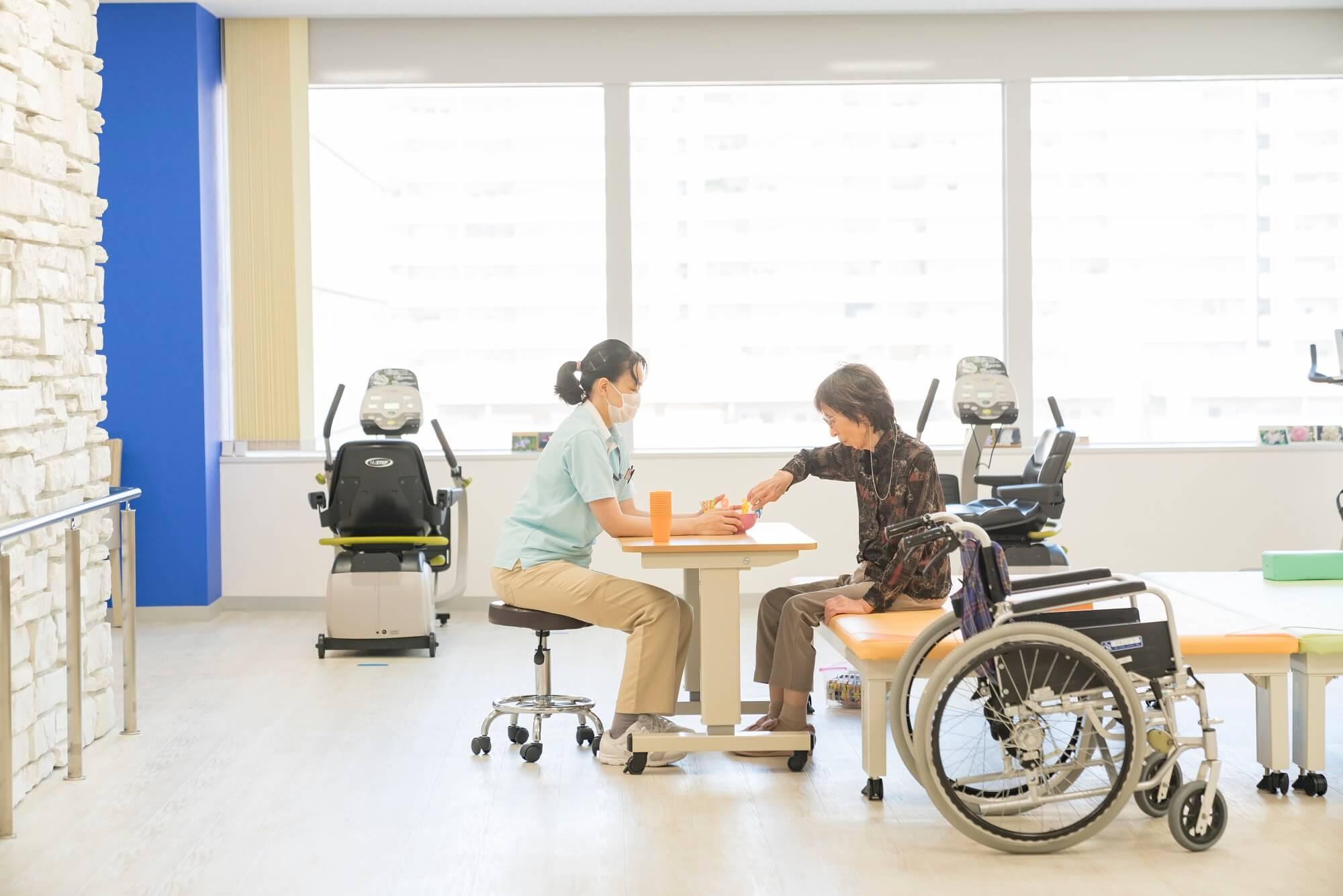 総合病院隣接の老人保健施設での正看護師