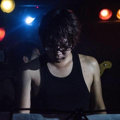 青井 翔平