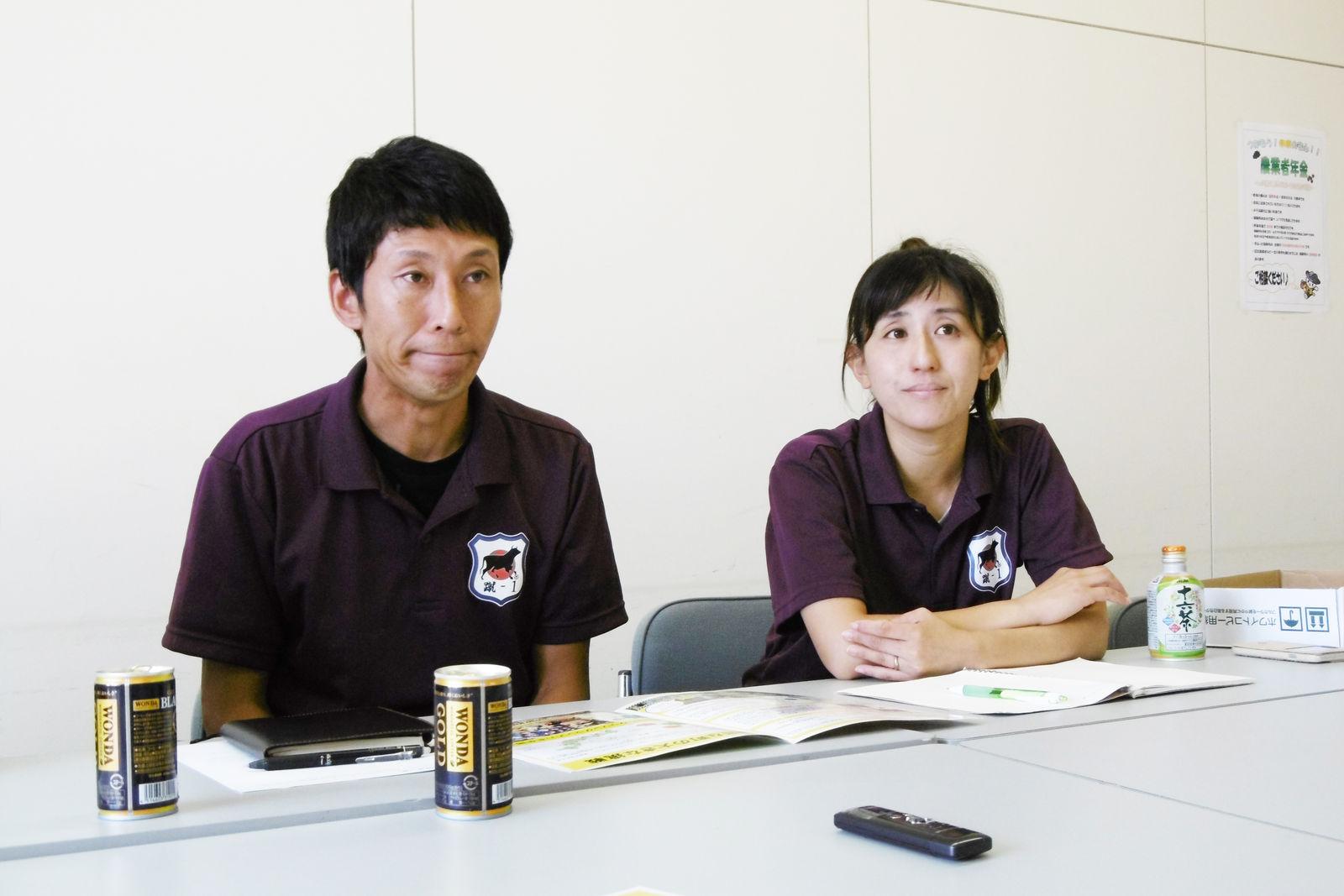 蹴-1GP実行委員会の河野仁志さんと河野景子さん。蹴-1GPを口蹄疫からの復興の明るいシンボルにして町民の笑顔が見たいと語ります
