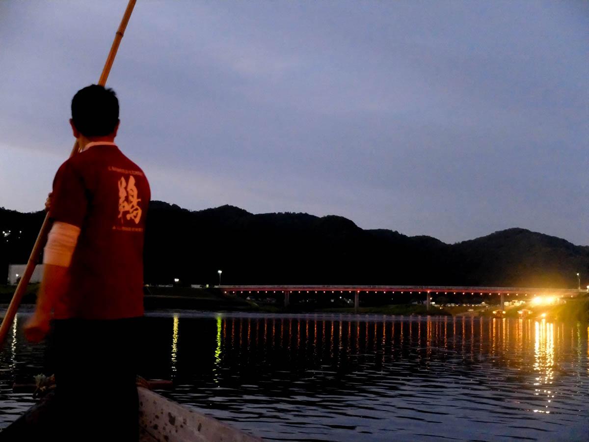 ▲遊覧船から見る三次の夜景も幻想的