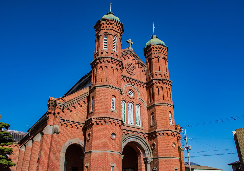 教会建築の巨匠鉄川与助の最高傑作とも呼ばれており、平成27年には重要文化財を受けています