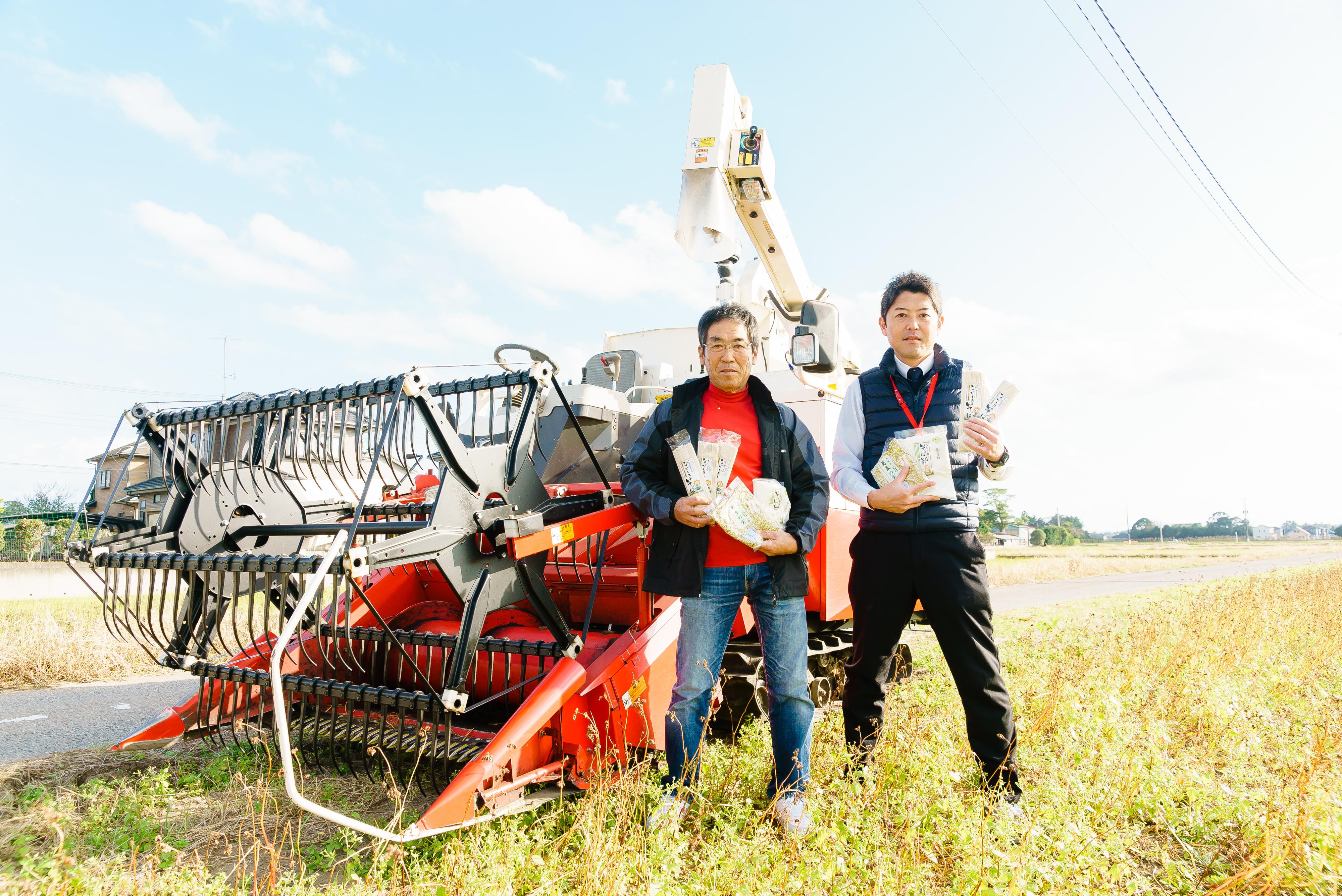 ながいき集落営農組合の木島敬二さん(左)と長生村産業課の木島政人さん(右)