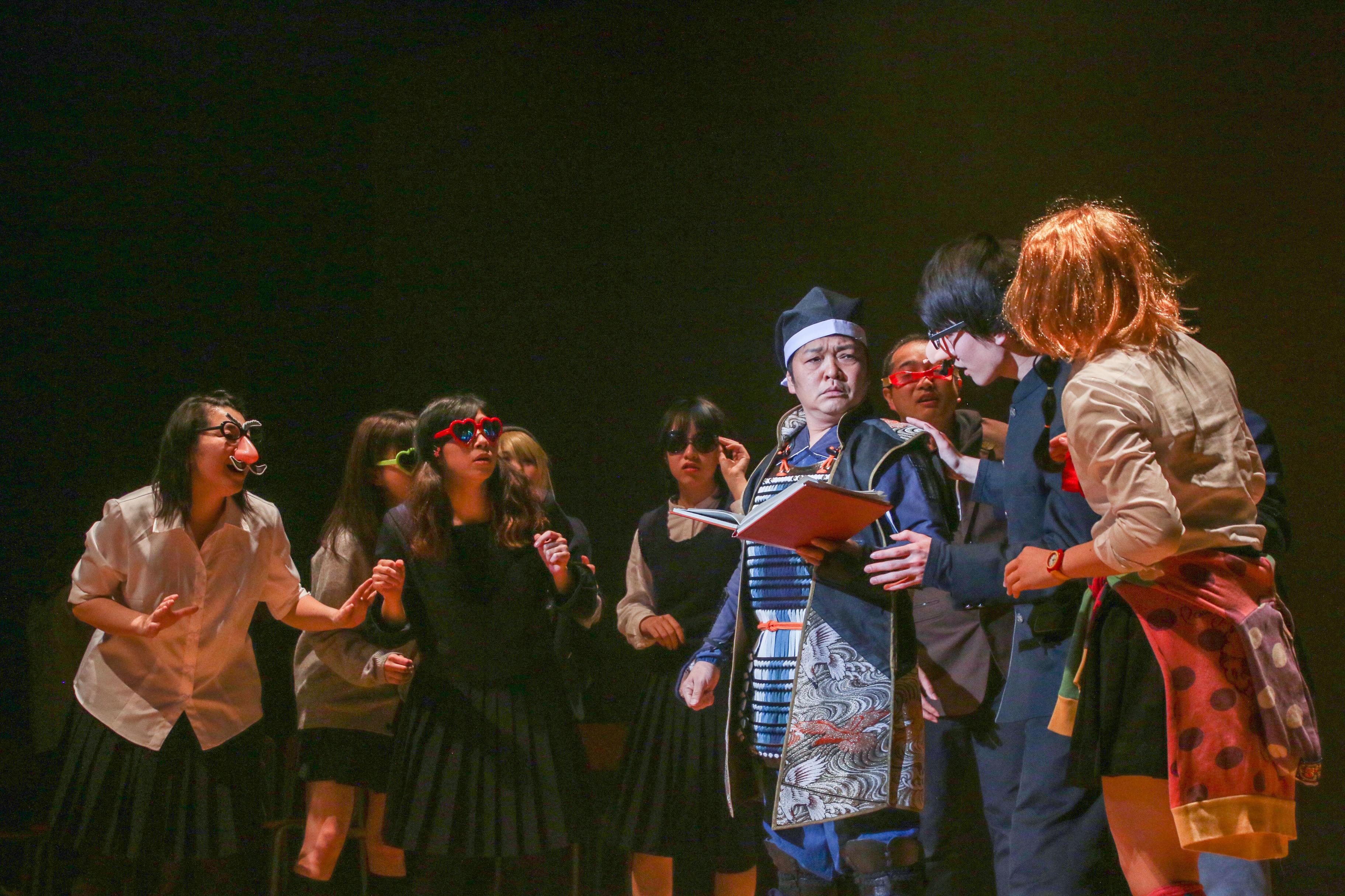 山口勝平さんを迎えたサルとミコトの舞台