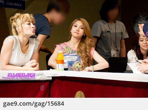 """12/09/02 """"KARA"""" - 용산 아이파크 몰 사인회 By. @Charming_girls_"""