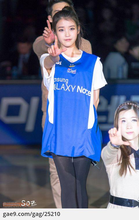 2012-02-11 수원삼성vs원주동부 잠실체육관 축하공연 아이유 사진 by soz