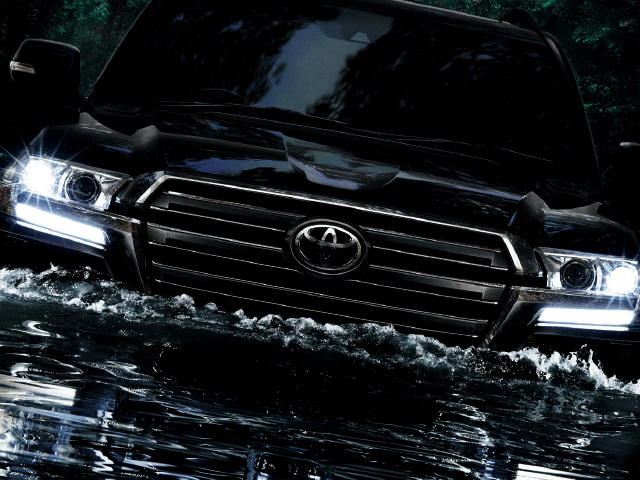 トヨタを代表するSUV、200系ランドクルーザーの性能と魅力とは