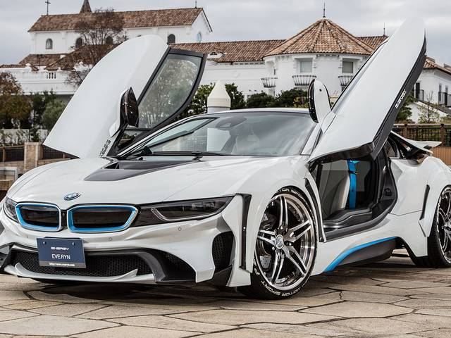 とても市販車には見えない??BMW・i8の未来的な要素溢れる魅力とは?