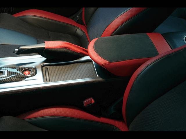 ワンランク上の内装へ。R35GT-Rにおすすめのインテリアパーツ特集