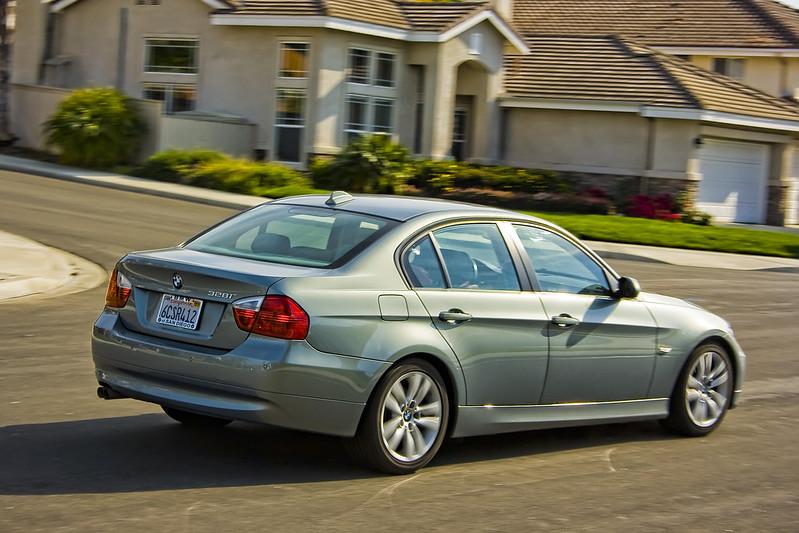 お手頃価格で抜群の乗り心地を!BMW・3シリーズ(E90型)が楽しくドライブしたい人にオススメな5つの理由