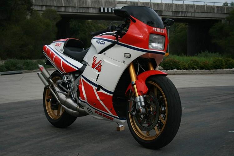 売れる売れないとかじゃない!!ヤマハが本気で作ったバイク、RZV500R