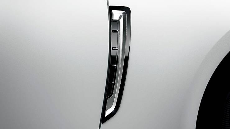 トヨタ新型クラウンカスタムパーツ
