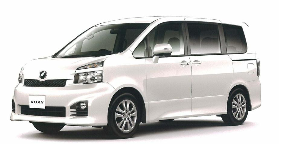 トヨタ・ヴォクシー(70系)ボディカラー白