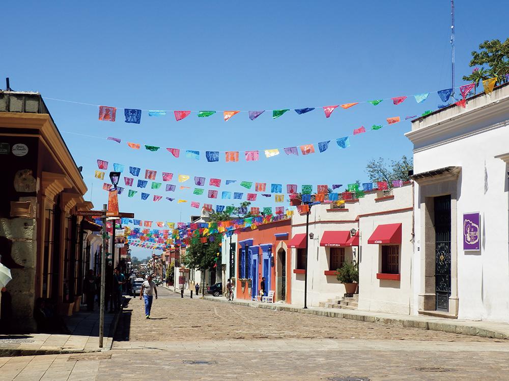 「空気を読め」は通じない。太陽の国・メキシコでクリエイターとして生きる心構えとは