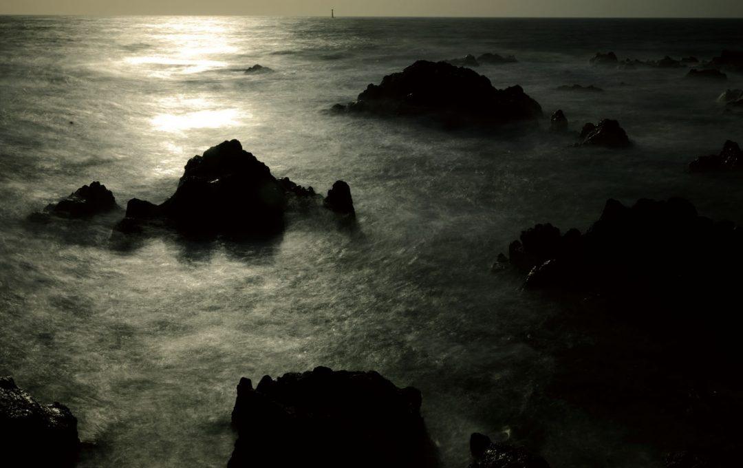 寄せては返す波を雲海のように撮る、NDフィルターの威力