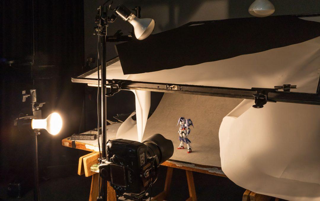 模型撮影ライティングの実践 3つのライトで立体感を作り出す