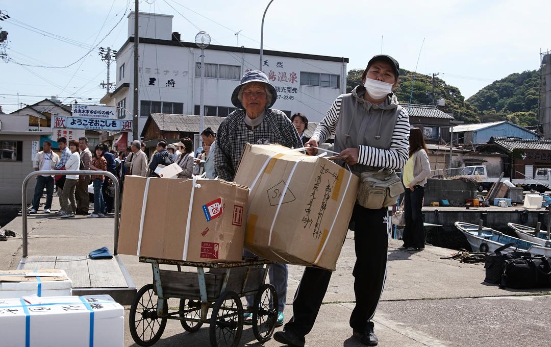 鹿野貴司写真展「しましま」日本各地の離島を撮影した作品を展示