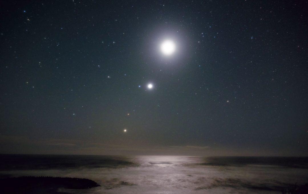 「月」と「惑星」を同時に写す際、気をつけたいポイントは?