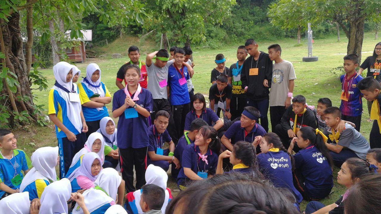 リーダーシップ育成キャンプでは、チームワークの習得も行います