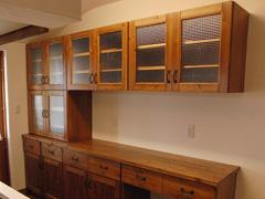 アトリエC様 食器棚のチェッカーガラス