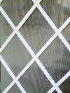 R.K様 玄関の袖壁窓