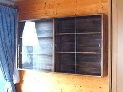 K 様 壁掛け棚のガラス引き戸