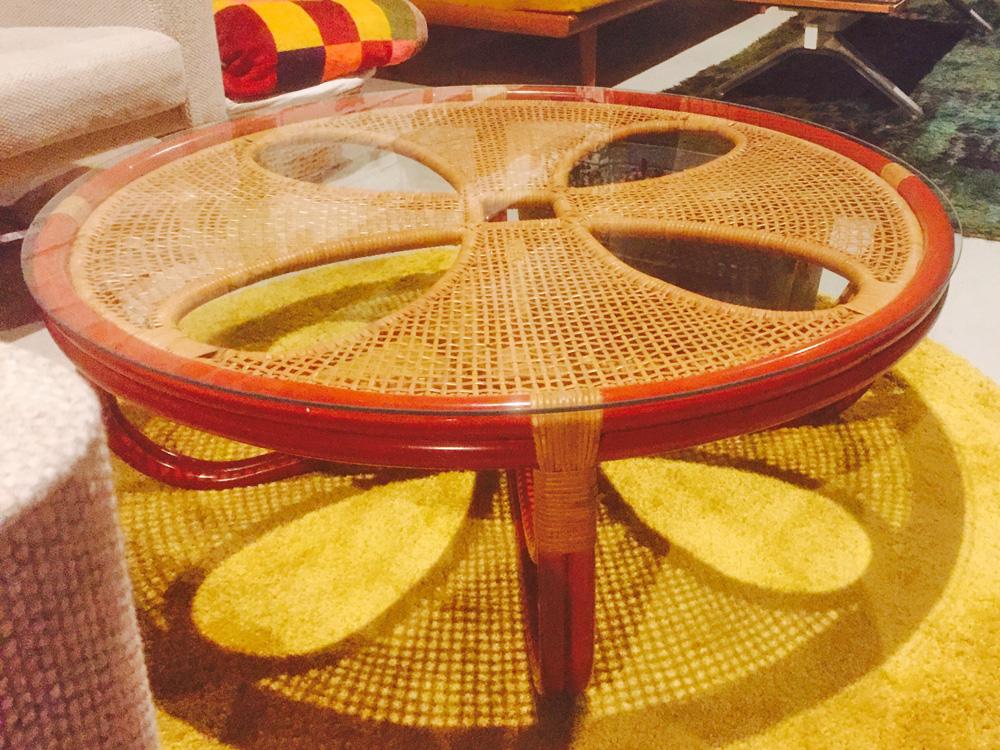テーブルの天板ガラス