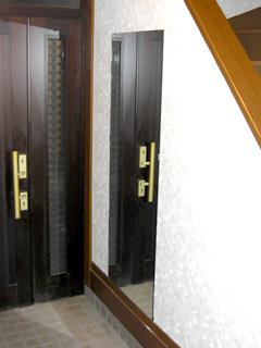 玄関の姿見