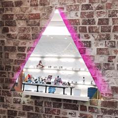 K.I 様 ショップの壁面装飾 三角形の鏡