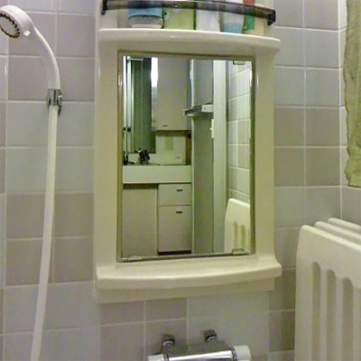 T.A 様 浴室鏡の交換