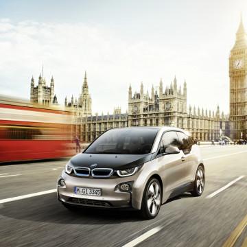 BMW 電気自動車 amazon