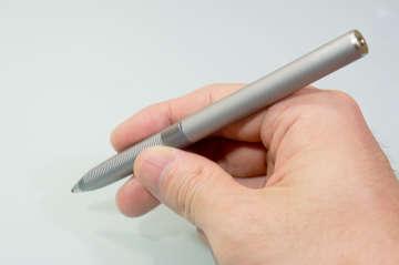 普通のペンと同じような感覚で使える